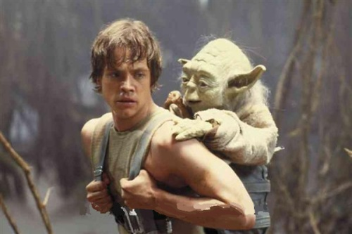 Luke-and-Yoda-Hiking-on-Dagobah